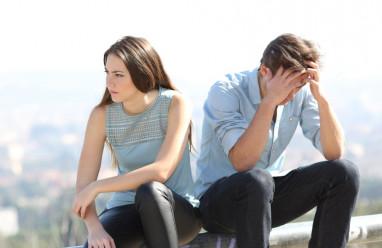 chia tay, nuối tiếc, không hiểu nhau, không công khai, không thực sự yêu