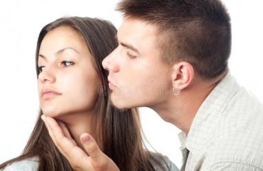 vợ lạnh nhạt, không muốn sinh con, từ chối ân ái, muốn ly hôn, chồng níu kéo