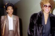 Bạn thân xác nhận Whitney Houston đồng tính, Whitney Houston, đồng tính, nụ hôn đầu, cua so tinh yeu