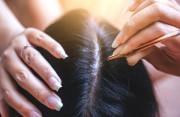 Thói quen nhổ tóc bạc và những hệ lụy khôn lường