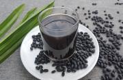 Nam giới có nên sử dụng nước đậu đen thường xuyên hay không?
