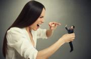 vợ dọa tự tử, bướng bỉnh, không thỏa hiệp, không tìm được tiếng nói chung