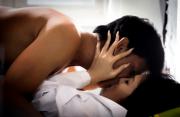 cua so tinh yeu, lo lắng, tình yêu, lạnh nhạt, cố gắng, trong trắng, dễ dãi, hôn ngực, cô bé, nhạy cảm.