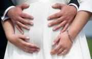 Tình chưa đủ sâu, đã có bầu, Có thai trước hôn nhân, Băn khoăn trước kết hôn, lo lắng, học tập, kinh tế.