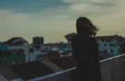 yêu xa, mất liên lạc, mạng xã hội, hụt hẫng, hoàn cảnh, cuộc sống, cửa sổ tình yêu.