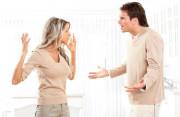 vợ chồng khắc khẩu, cãi vã, nhẫn nhịn, tranh cãi quá nhiều, không chịu nhún