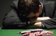 theo đuổi, yêu, cờ bạc, nợ nần, giải quyết, lo lắng