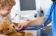 Tràn dịch màng tinh hoàn ở trẻ có gây ra nhiều nguy hiểm không ?