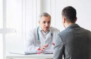 Đi tiểu ra dịch trắng trong là dấu hiệu của bệnh gì ở nam giới ?