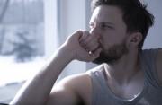 """Có thể """" tự xử"""" khi đang bị giãn tĩnh mạch thừng tinh được không ?"""