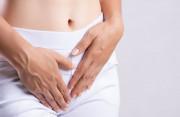 Ra máu cục sau mổ thai ngoài tử cung có gây nguy hiểm không ?