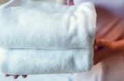 Dùng chung khăn tắm có thể khiến mắt bị sùi mào gà không ?