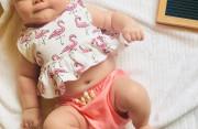 Trẻ 2 tháng chỉ nặng 4,8 kg thì có nhẹ quá không ?
