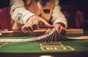 chồng nghiện cờ bạc, chơi qua đêm, khuyên can, đang yêu thương gia đình, quay về