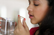 Do đâu mà vùng kín lại ra máu sau khi uống thuốc tránh thai khẩn cấp ?