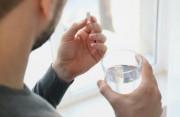 """Uống thuốc ở """"thời kỳ cửa sổ"""" của HIV có làm sai kết quả xét nghiệm không ?"""