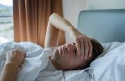 """Mệt mỏi kéo dài sau khi """"đi lại"""" với gái... có phải là do HIV không?"""