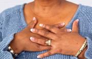 """Chỉ """"đau một bên ngực"""" mỗi khi đến kỳ, có đáng lo ngại???"""
