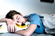 """Hay """"phóng đạn"""" khi ngủ có phải là dấu hiệu bệnh lý???"""