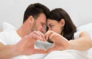 """Vợ chồng có nên làm """"chuyện đó"""" khi chờ ngày chuyển phôi???"""