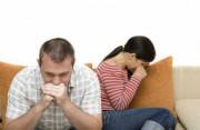 vợ ngoại tình, với nhiều người, tha thứ, nghi ngờ, sốc, mất niềm tin