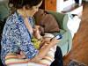 sau sinh, sức khỏe, dùng điện thoại sau sinh, ảnh hưởng đến mắt