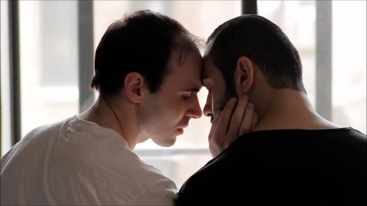 đồng tính nam, tình yêu đồng tính, lộ diện với gia đình, yêu xa, làm bánh online, chàng gay, cửa sổ tình yêu, tư vấn tâm lý