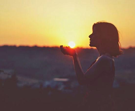 tình yêu rạn nứt, chia tay, yêu xa, thiếu niềm tin, lo lắng, bất an, hạnh phúc tương lai, cửa sổ tình yêu