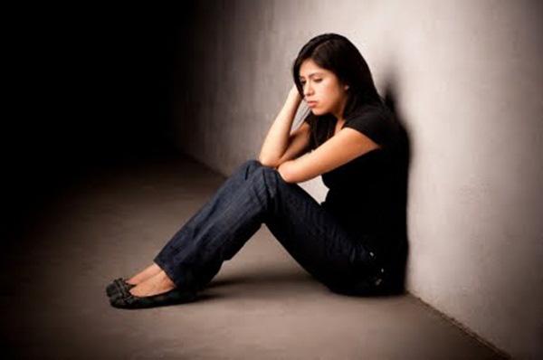 du học sinh, khó khăn, quen với cuộc sống, đã có người yêu, lỡ có bầu, sinh em bé, chịu trách nhiệm, khổ tâm, mẹ không cho phép, người thứ 3, xã hội tổn thương