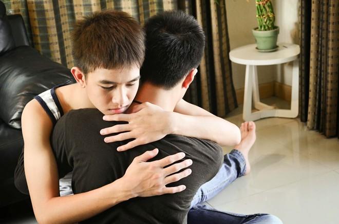 đồng tính, tình yêu, trầm cảm, yêu, tình cảm, tự tử, mạnh mẽ, đối diện, chấp nhận