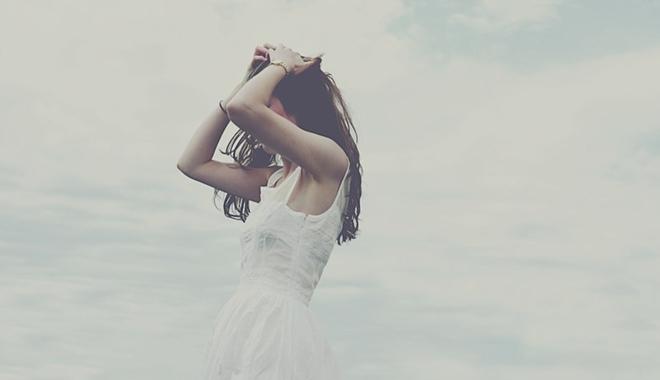 níu kéo, tổn thương, đau đớn, lợi dụng, con rơi, mù quáng, tình cảm, không thật tâm