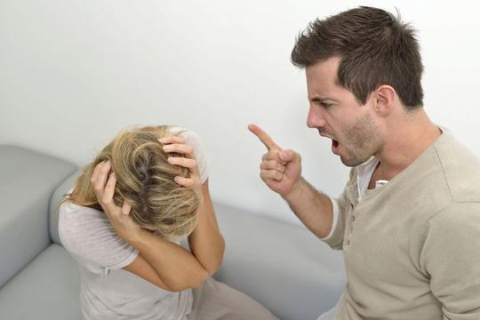 hôn nhân gia đình, hôn nhân rạn nứt, người yêu cũ, người thứ ba, không hạnh phúc, có bầu không cưới, cửa sổ tình yêu