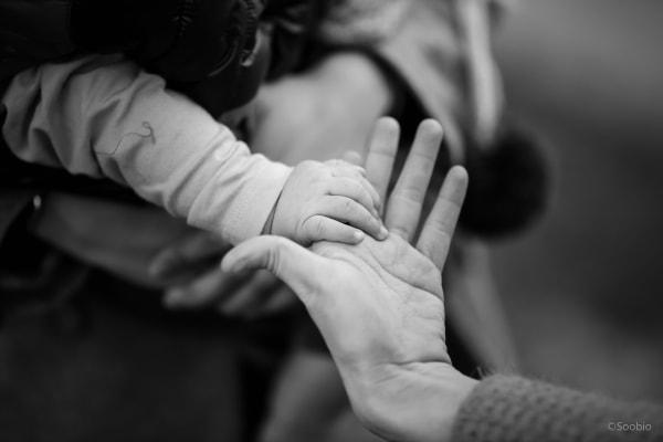 con riêng, khó chịu, bực bội, ích kỷ, không chấp nhận, yêu thương, dậy dỗ, chăm sóc, quan tâm, cửa sổ tình yêu