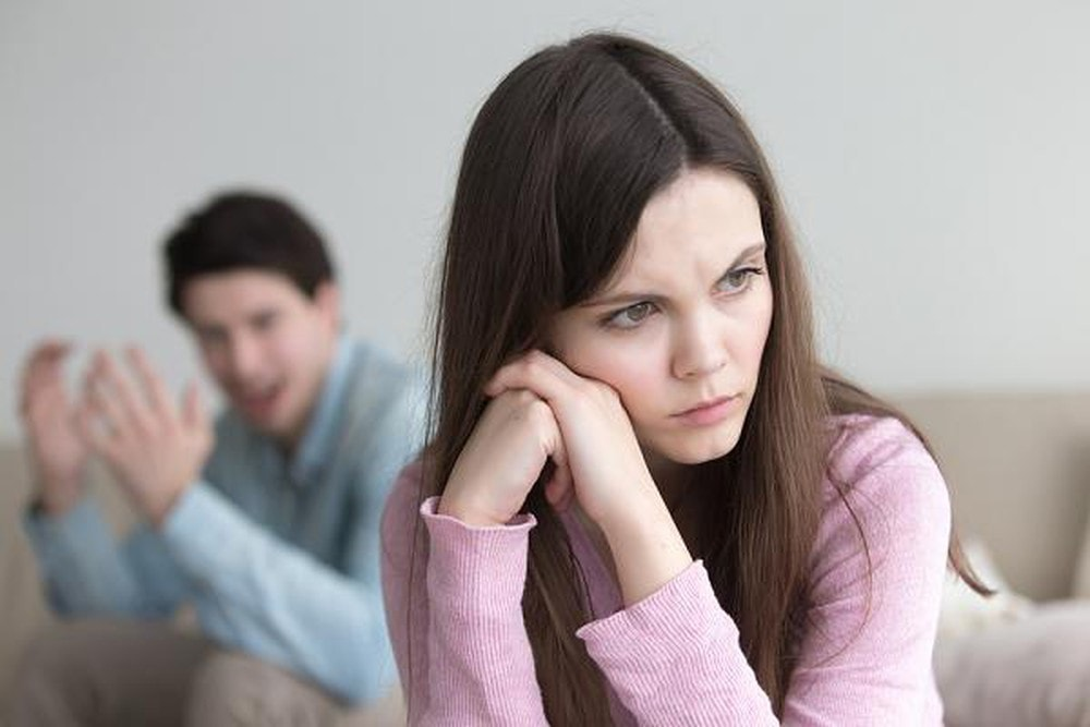 đánh đập, bảo vệ, khó khăn, giữ gìn, hạnh phúc gia đình, mẹ chồng nàng dâu, chân thành, tổn thương, hi sinh