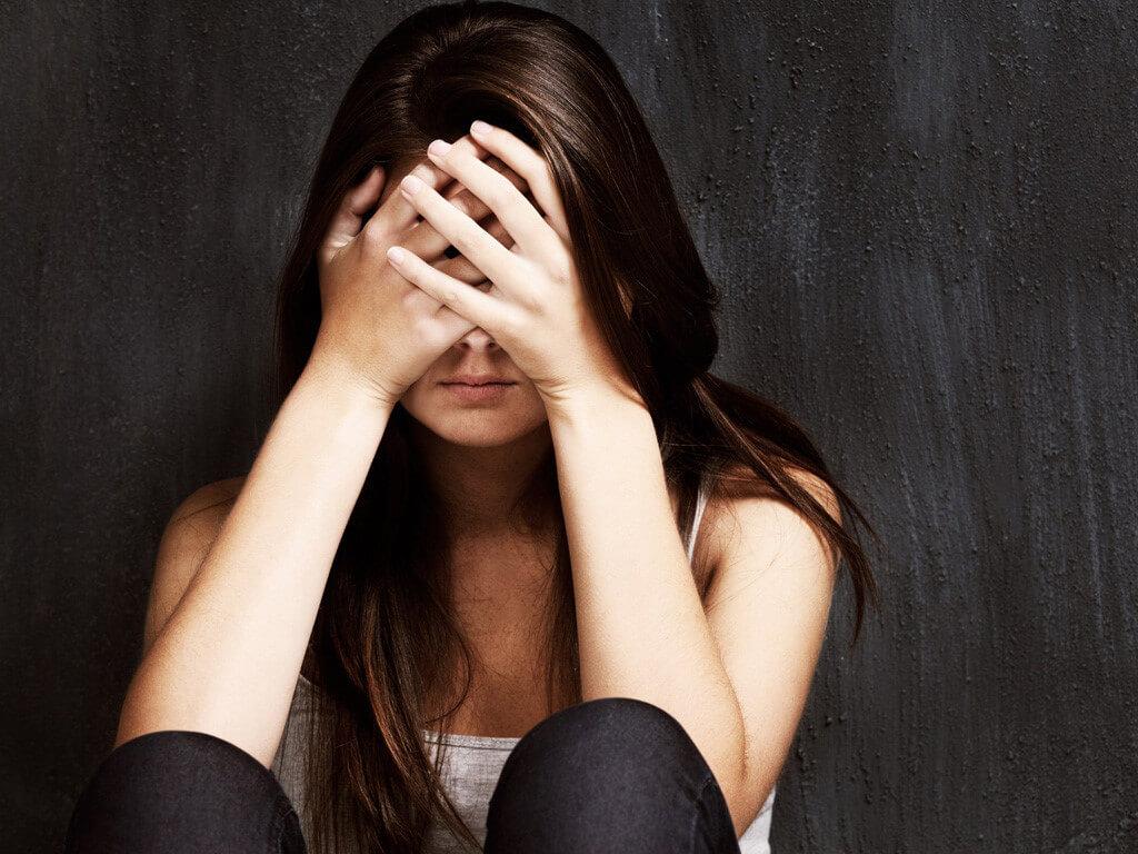 nhát trai, mất tự tin, không thể giao tiếp với bạn khác giới, không có bạn trai