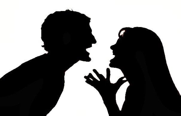 mâu thuẫn, nhắn tin zalo, cãi nhau, đánh đập, mệt mỏi, bố mẹ cãi nhau, ghen tuông