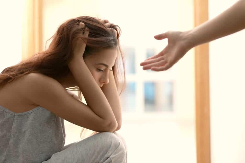 trầm cảm, tuổi dậy thì, mẹ bênh em, phân biệt đối xử, không nghe tâm sự, chán chường