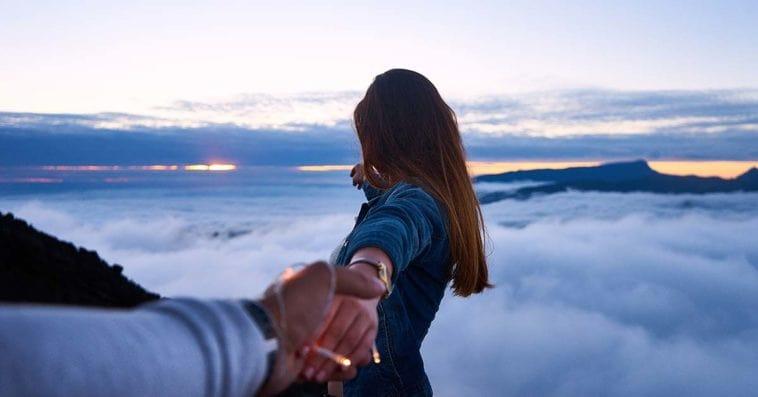 yêu xa, nửa vòng trái đất, từng ly hôn, có vấn đề về tâm lý, mất ngủ, không muốn chia sẻ