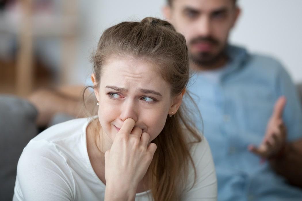 làm tổn thương bạn trai, hối hận, níu kéo, không còn thương, chán nản