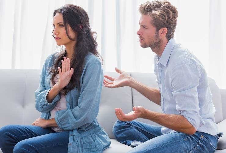 sống chung, yêu bạn trai, giới thứ 3, cãi vã, không nhường nhịn, vừa muốn tiếp tục, vừa muốn chia tay