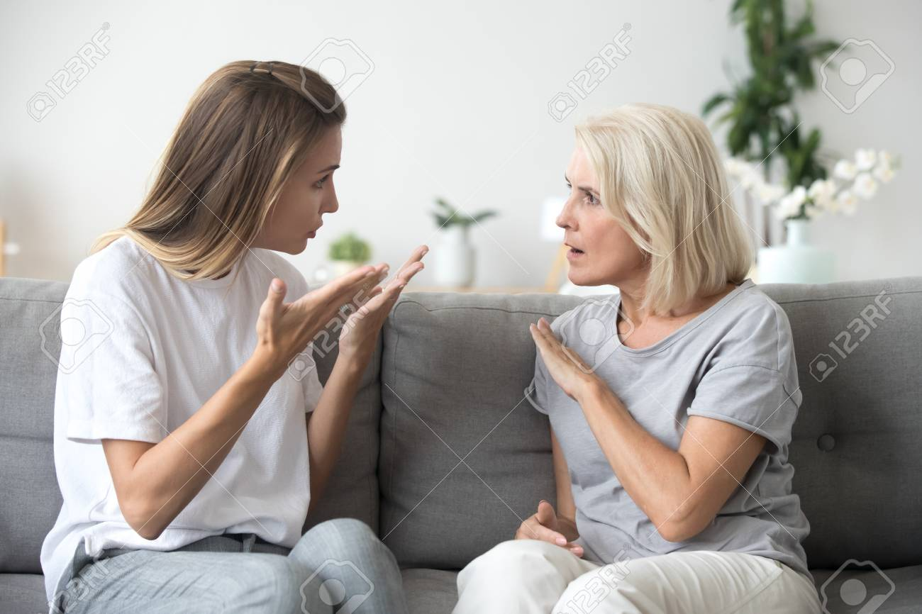 mẹ chồng, coi thường, cãi vã, không cho dậy con, mệt mỏi, chán chường