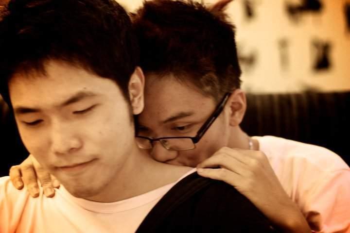 Bé trai 11 tuổi bị giang mai nghi do quan hệ tình dục đồng tính