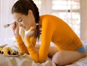 Mất kinh đột ngột ở những phụ nữ trong độ tuổi sinh sản (vô kinh thứ phát).